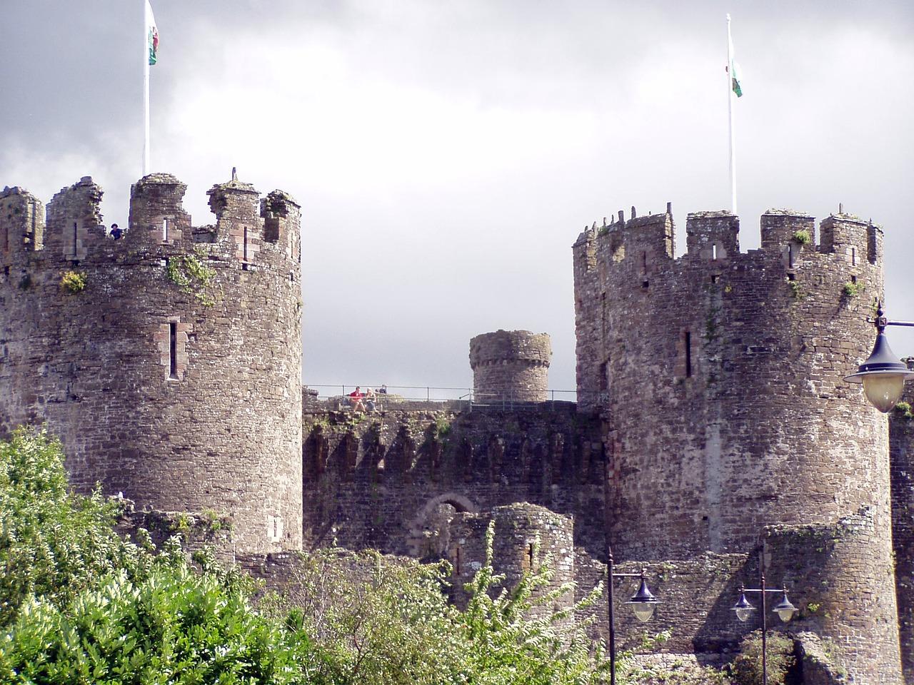 Burg – symbolisiert die Daten eines Unternehmens, die geschützt werden müssen