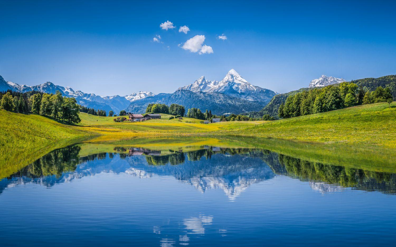 Eine bayrische Berglandschaft. Thema Standort Bayern